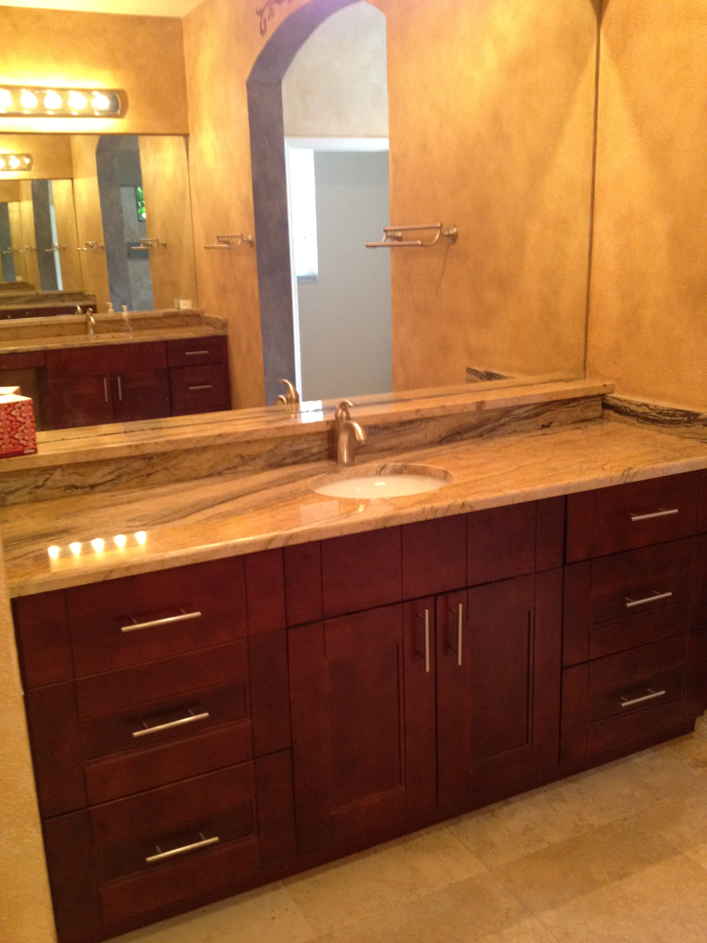 Indus tampa cabinet store for Bathroom vanity warehouse tampa
