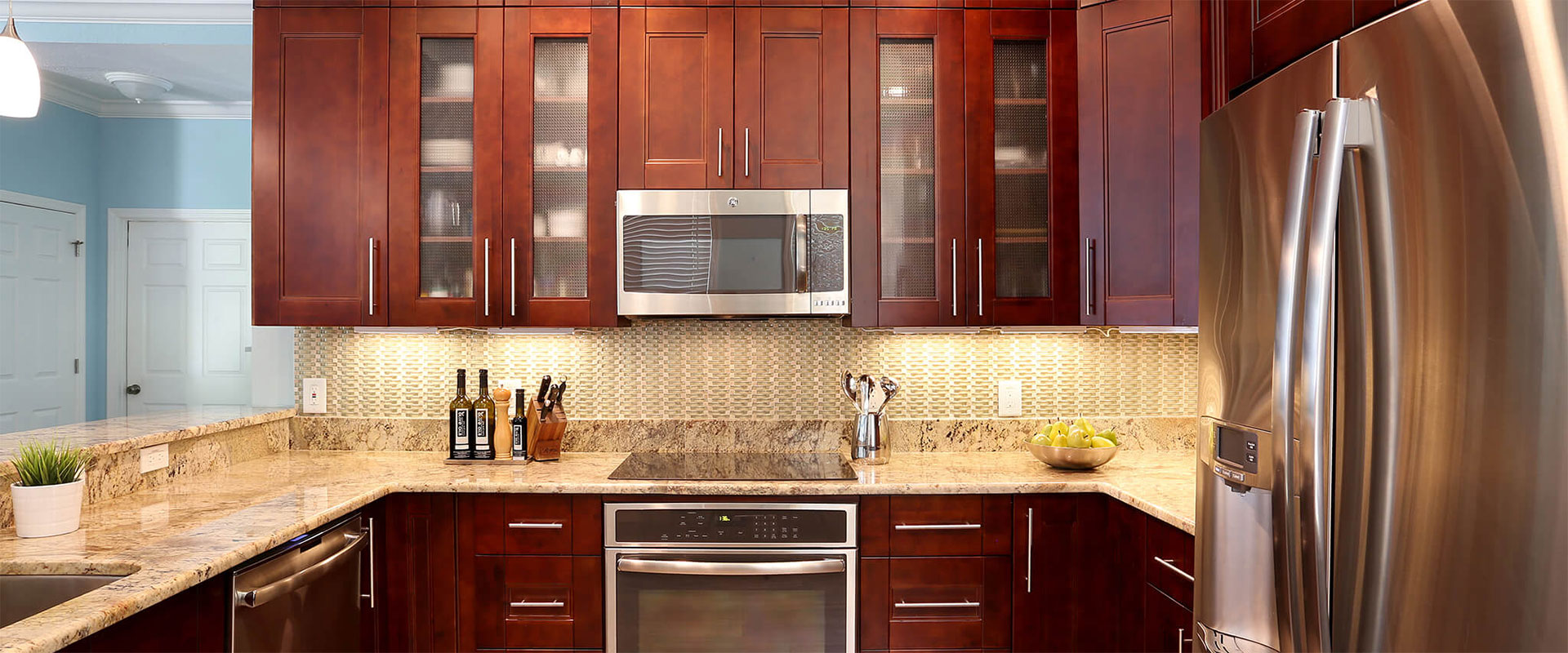 Tampa kitchen cabinets granite countertops real wood for Kitchen cabinets tampa